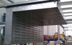 Kundenspezifische Abzugshaube für Metallbearbeitungsbereich