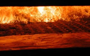 Verbrennung fester Biomasse